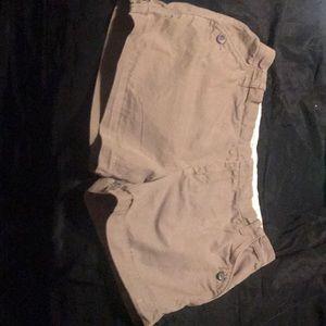 Women's size 10 mid rise Old Navy khaki shorts